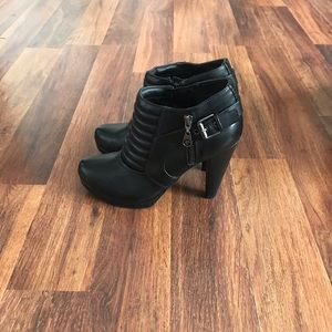 Guess moto ankle bootie.